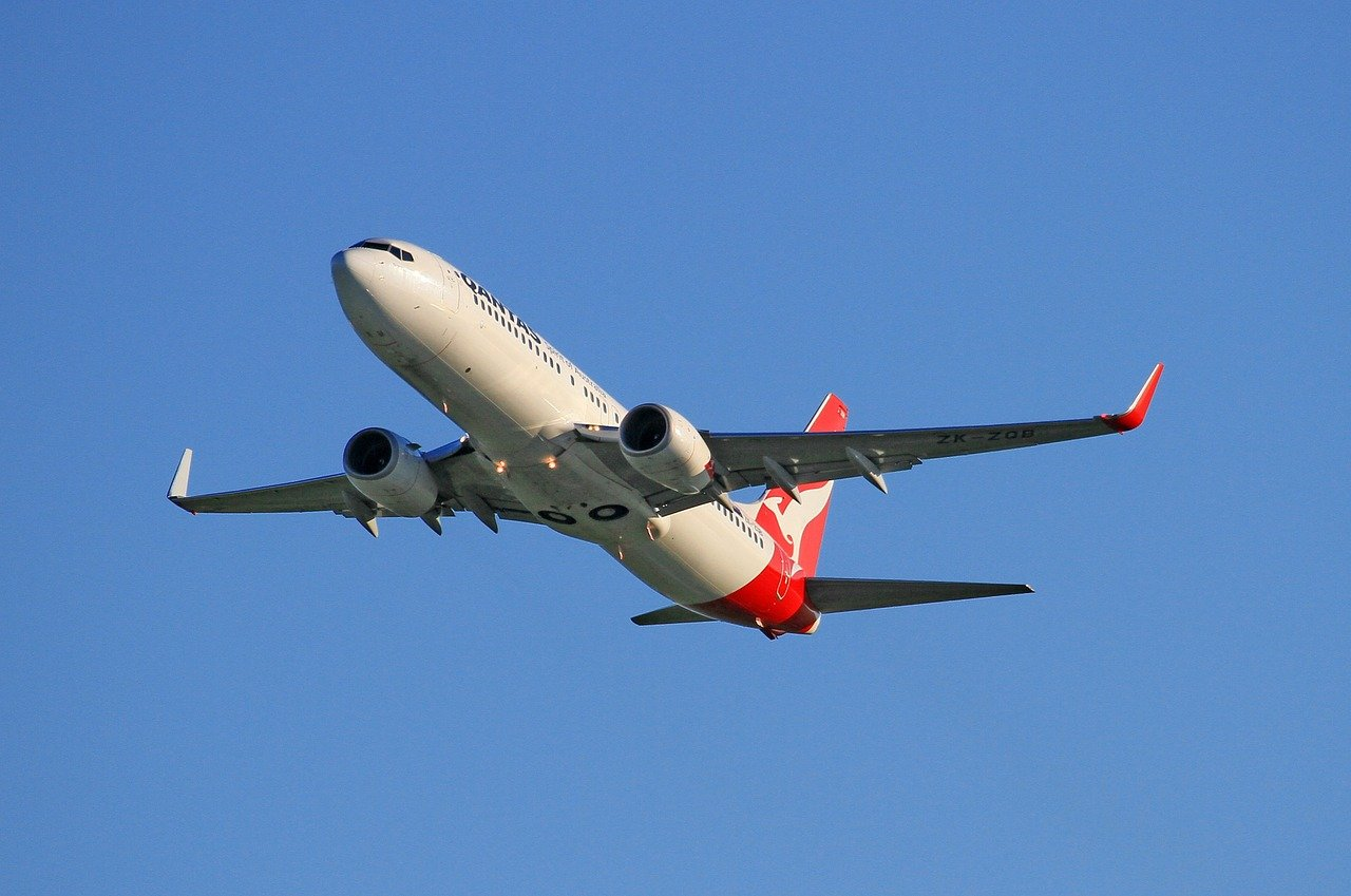 Qantas Taken to Federal Court For Outsourcing 2,000 Jobs