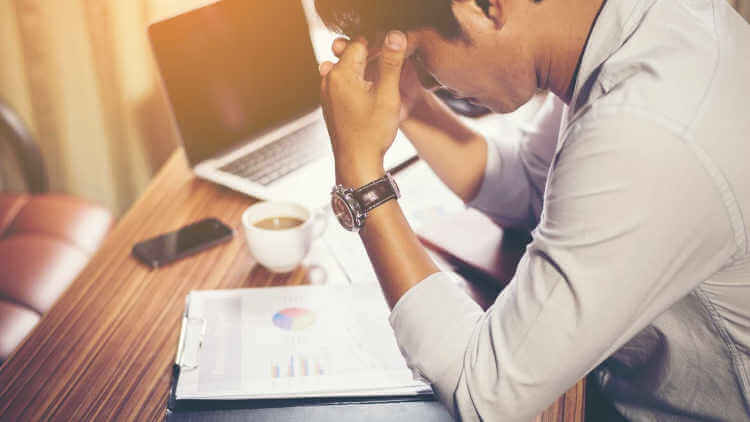 How to stay focused when you are stressed? In this post, you will find 8 smart and practical ways to cope with stress and remain focused.