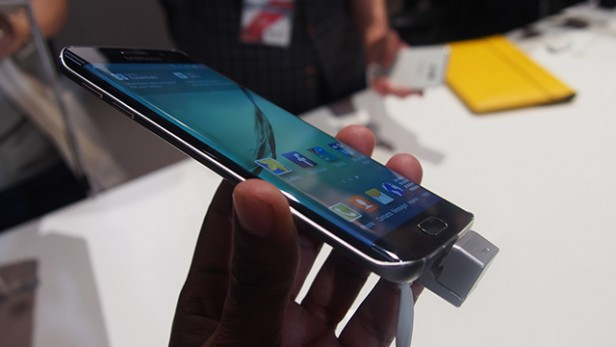 S6 Edge hands on pictures 11