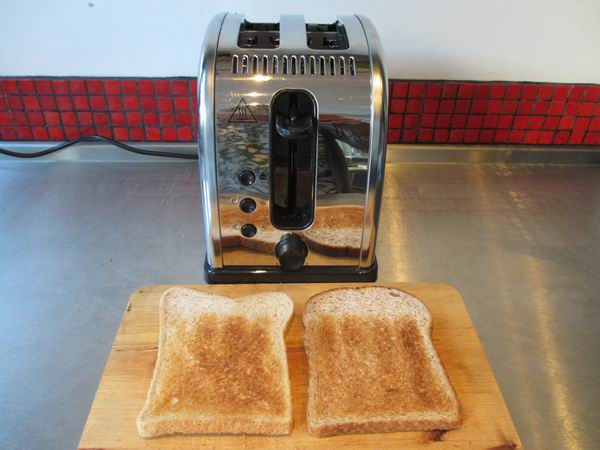 Russell Hobbs Legacy Toaster 6