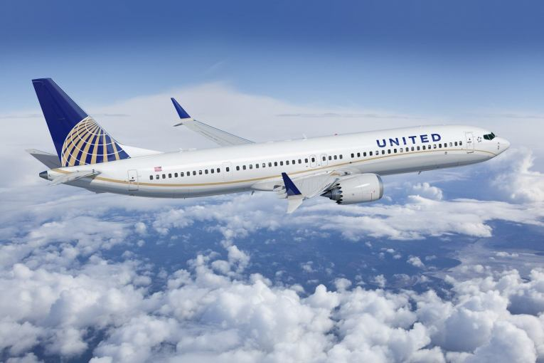 United Airlines to enable Bluetooth headphones for in-flight movies