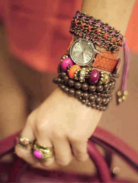 Girls Beautiful Hand Bangles Dp for facebook Profile ...