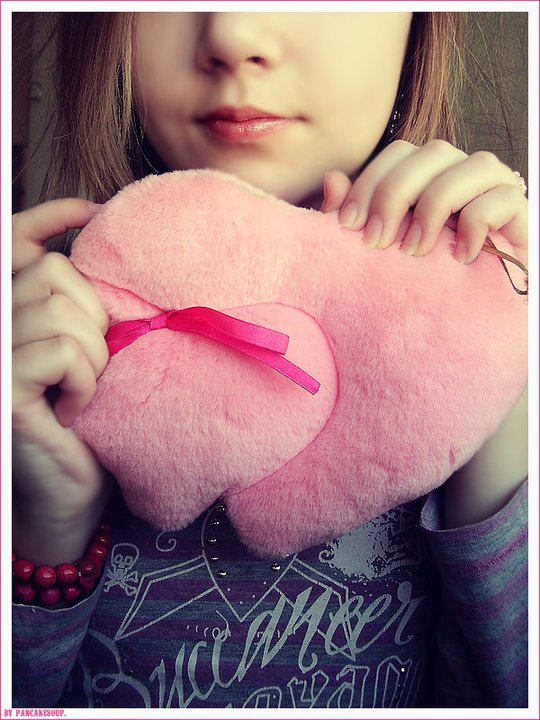 beautiful amazing hearts with girls facebook display pictures