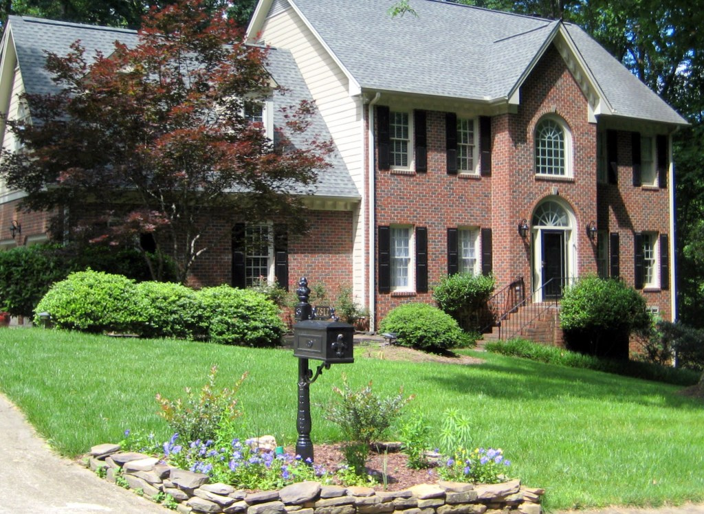 2812 Hawtree Drive, Best Raleigh Neighborhoods, Midtown, Wildwood Green Golf Community