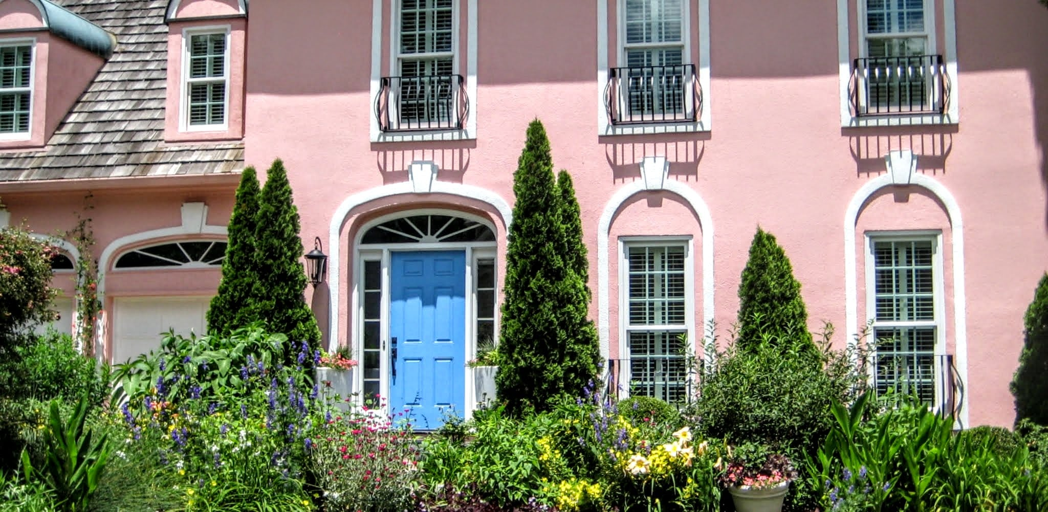 The Pink House on Carrbridge, Best Raleigh Neighborhoods, Midtown, Stonehenge, East of Creedmoor Road