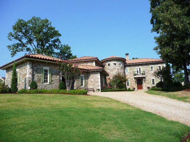 Waterfront Italian Villa in The Peninsula in Cornellius