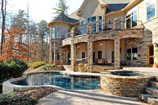 Lake Norman waterfront homes in Denver