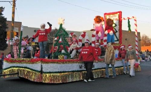 Mooresville Lake Norman's Christmas parade float