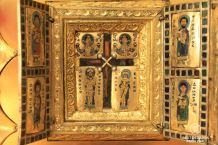 Stavelot Triptick with enshrined Christ's Cross relic (1158), the Morgan Library, New York City