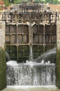 The first lock of Fonseranes is opening