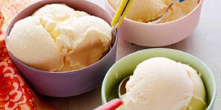 homemade vanilla ice cream with sous vide
