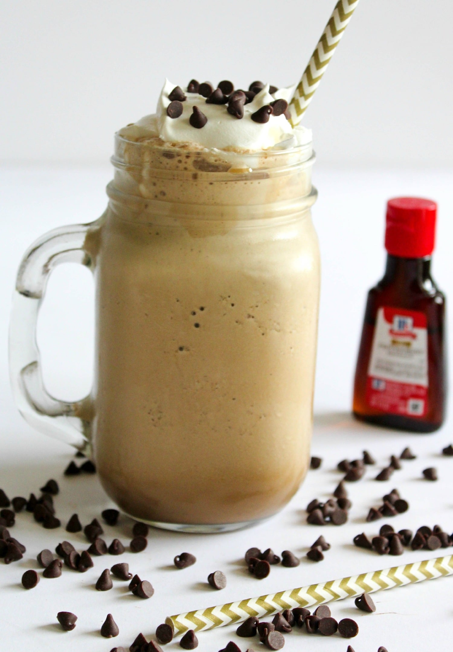 Peppermint Mocha Protein Shake | What Molly Made