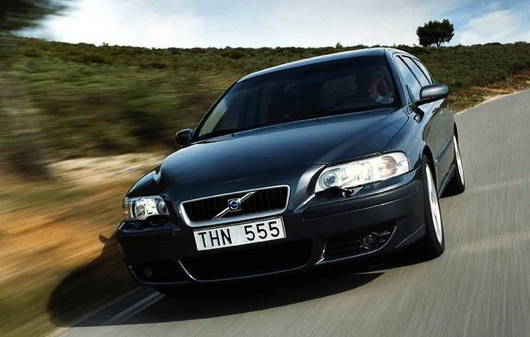 Sweden 2004-2005: Volvo V70 #1, V50 arrives – Best Selling