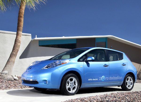 Nissan Leaf USA May 2013