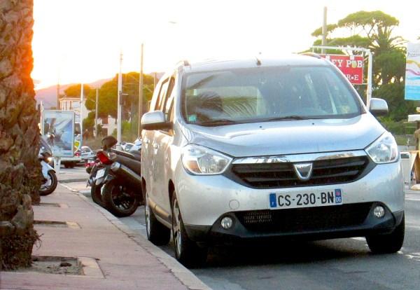 Dacia Lodgy France September 2013