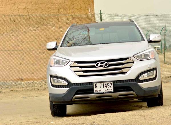 Hyundai Santa Fe Oman June 2014. Picture courtesy of drivemeonline.com