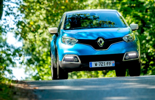 Renault Captur Slovenia October 2013. Picture courtesy of largus.fr