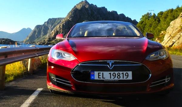 Tesla Model S Norway August 2013. Picture courtesy of klikk.no