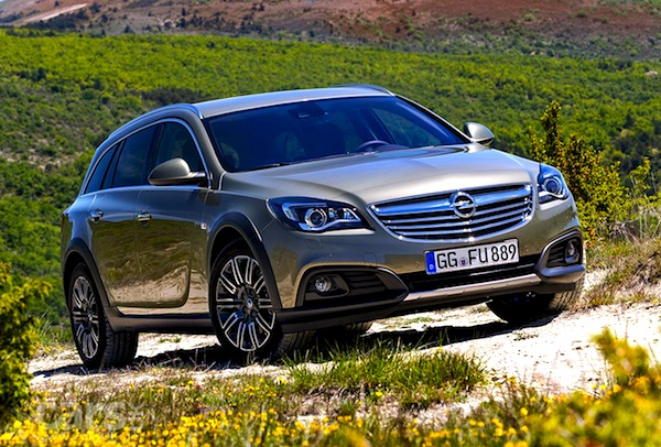 Vauxhall Insignia Country Tourer UK August 2013