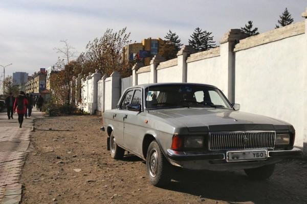 13 GAZ Volga