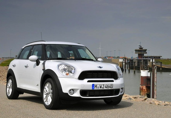 Mini Countryman Italy September 2013. Picture courtesy of largus.fr