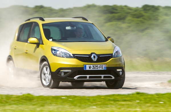 RENAULT SCENIC XMOD 1.5 dCi 110ch