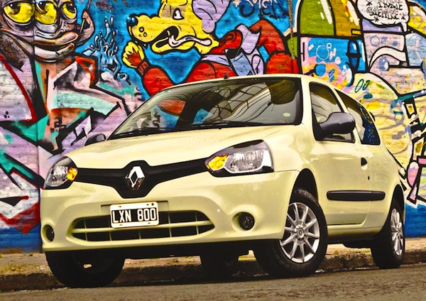 Renault Clio Mio Argentina November 2013. Picture courtesy of autocosmos.com