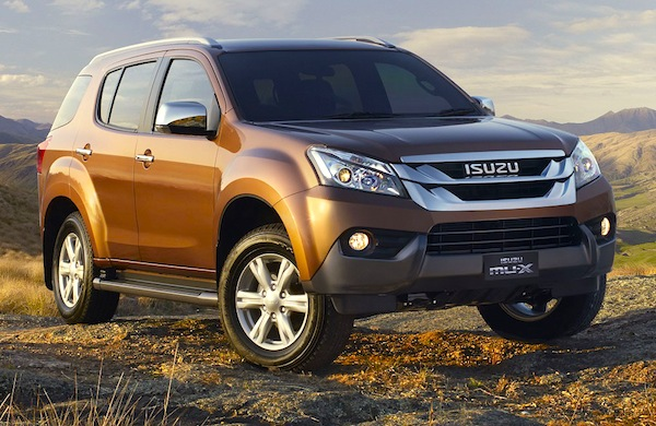 Isuzu MU-X Australia December 2013. Picture courtesy of themotorreport.com.au