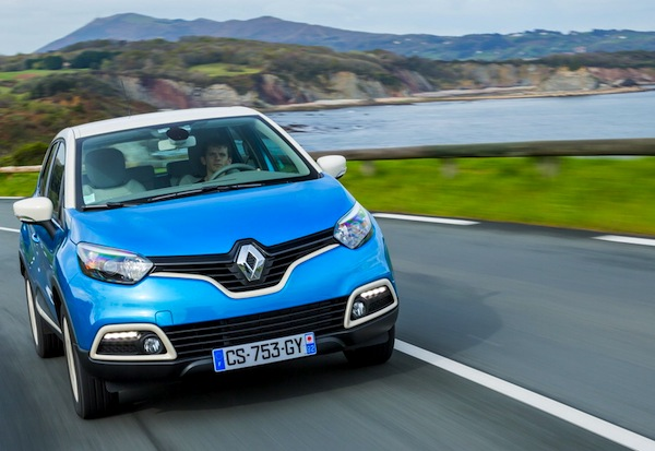 Renault Captur France 2013. Picture courtesy of largus.fr