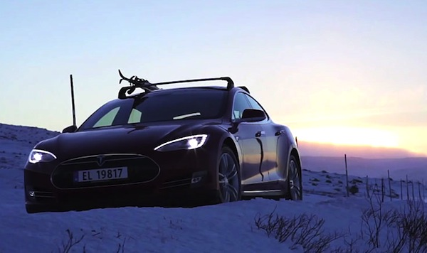 Tesla Model S Iceland November 2013. Picture courtesy of autovolt-magazine.com