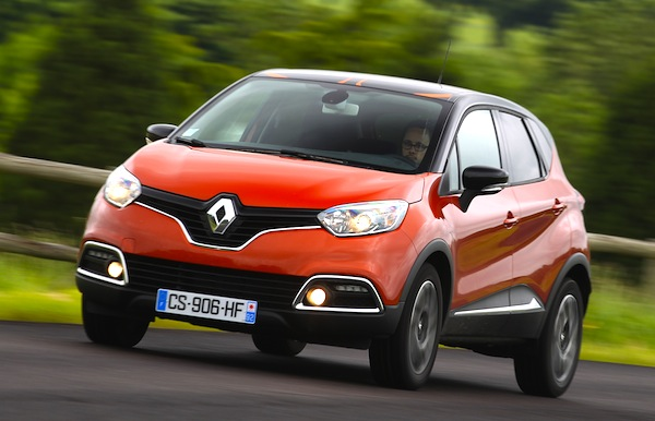 Renault Captur France February 2014. Picture courtesy of automobile-magazine.fr