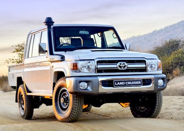 Toyota Land Cruiser P:U Oman 2013