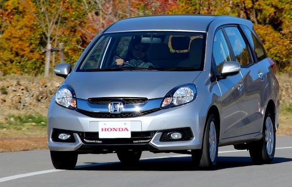 Honda Mobilio Indonesia March 2014. Picture courtesy of gaadi.com