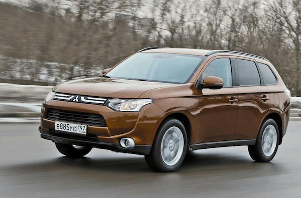 Mitsubishi Outlander Russia March 2014. Picture courtesy of zr.ru