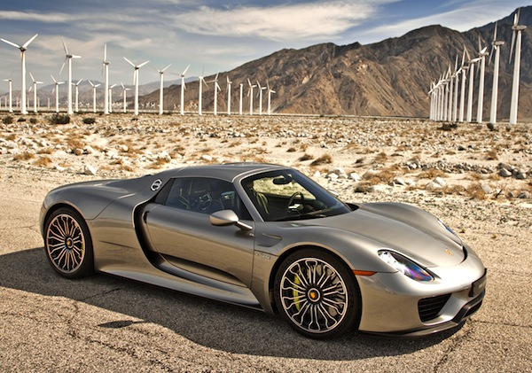 Porsche 918 Spyder USA July 2014. Picture courtesy of motortrend.com