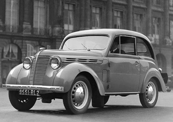Renault Juvaquatre France 1947