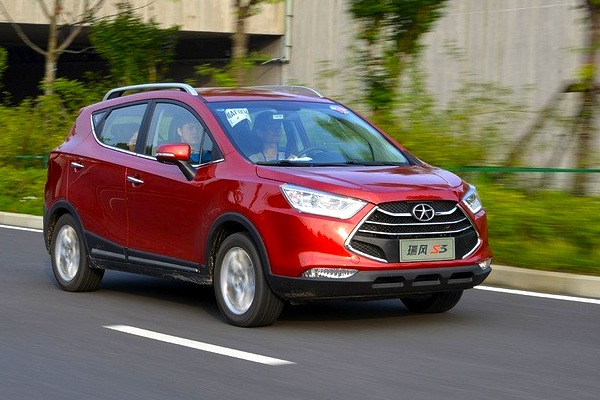 JAC Refine S3 China August 2014. Picture courtesy of xcar.com.au