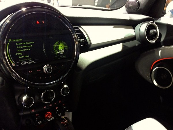 9c. Mini Countryman interior