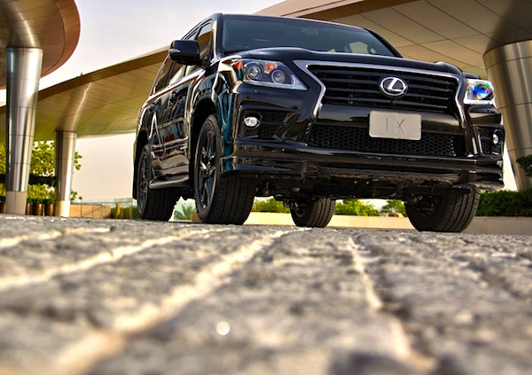 Lexus LX Gulf August 2014. Picture courtesy of motoringme.com