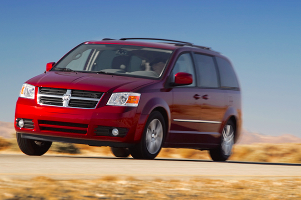 Dodge Grand Caravan Canada April 2016. Picture courtesy motortrend.com