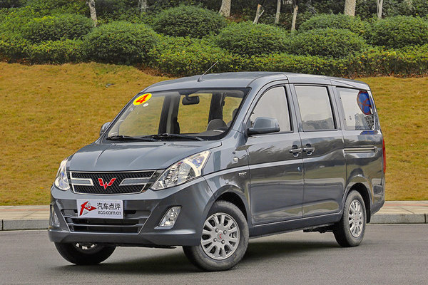 Wuling Hongguang V China January 2015. Picture courtesy xgo.com.cn