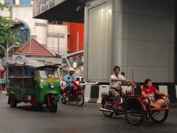 7. Street scene Bangkok July 2015b