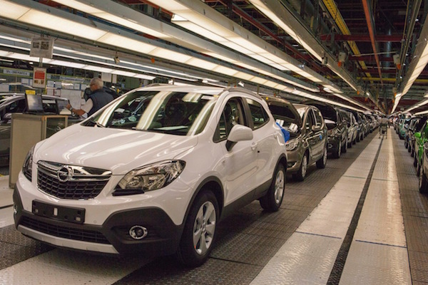 Opel Mokka Spain June 2015. Picture courtesy cadenadesuministro.es