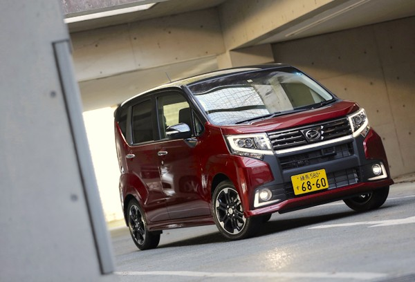 Daihatsu Move Custom Japan July 2015. Picture courtesy autoc-one.jp