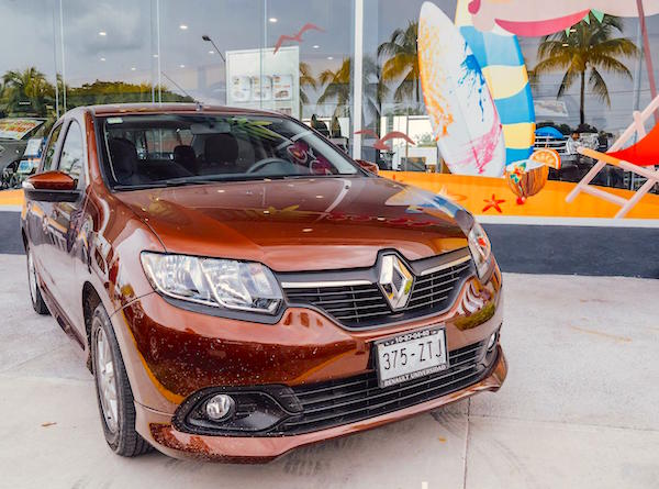 Renault Logan Mexico 2015. Picture courtesy autocosmos.com.mx