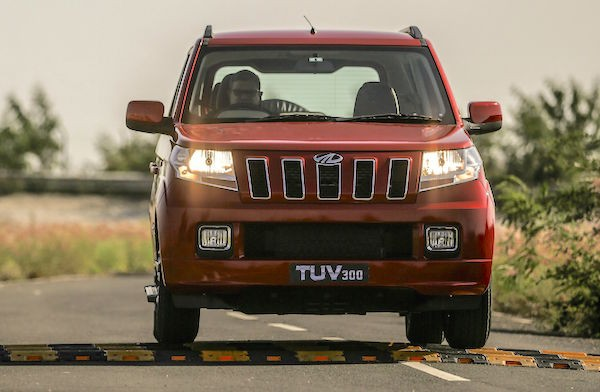 Mahindra TUV300 India October 2015. Picture courtesy dnaindia.com