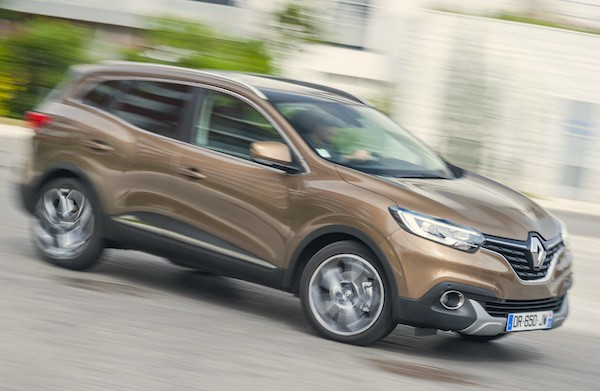 Renault Kadjar France October 2015. Picture courtesy automobile-magazine.fr