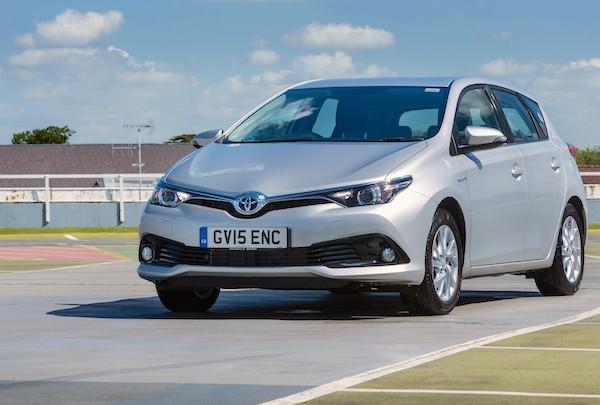 Toyota Auris UK June 2016