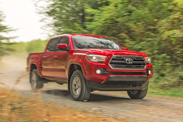 Toyota Tacoma Canada October 2015. Picture courtesy motortrend.com