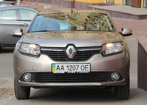 Renault Logan Ukraine 2015. Picture courtesy autocentre.ua